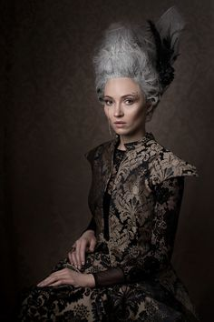 publikacja Glow Magazine  projektant Gabriela Hezner  Photographer: aleksandrarybak.com Model: Paula Nagel Styling: Kasia Lewandowska Fashion Stylist Make Up: Julia Nagłowska MakeUp Hair: Iryna Frolova