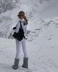 Ski Fashion, Winter Fashion, Womens Fashion, Arab Fashion, Sporty Fashion, Sporty Chic, Mode Au Ski, Chalet Girl, Ski Bunnies