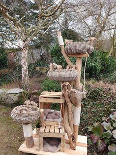 Cool Cat Trees, Diy Cat Tree, Cool Cats, Cat Tree Designs, Cat Playpen, Cat Habitat, Cat Room, Cardboard Cat House, Exploding Kittens