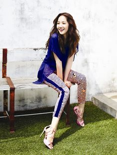 Promotion photos for Korean women clothing brand Compagna's [Kr] 2013 Summer collection, featuring popular actress Park Min-young… Park Min Young, Popular Actresses, Lucky Ladies, Young Fashion, Korean Women, Asian Style, Woman Crush, Korean Beauty, Summer Collection