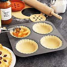 Chicago Metallic Inidual Pie Mold Pan via bakingbites.com | Clever Ideas | Pinterest | Pies Mini pie pans and Kitchen gadgets : small pie plate - pezcame.com
