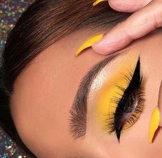 38 hottest eye makeup looks 2019 for women - Estella K. - 38 hottest eye makeup looks 2019 for women – Estella K. Makeup Eye Looks, Cute Makeup, Pretty Makeup, Skin Makeup, Eyeshadow Makeup, Makeup Brushes, Eyeshadows, Perfect Makeup, Makeup Remover