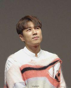 Suwon, Btob, Korea, Men Sweater, Fashion, Moda, Fashion Styles, Men's Knits, Fashion Illustrations