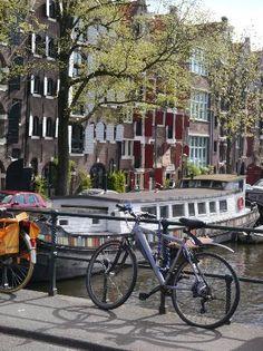 De Negen Straatjes: Scenic canals of the nine streets area