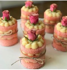 Creative Desserts, Fancy Desserts, Creative Cakes, Delicious Desserts, Mini Cakes, Cupcake Cakes, Cake Recipes, Dessert Recipes, Dessert Decoration