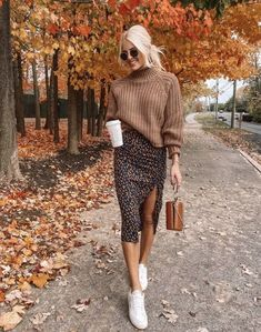Mode Ideen ✔ Kleid Outfits Winter Midi The Men and Women's Clog Winter Outfits For Teen Girls, Trendy Fall Outfits, Winter Fashion Outfits, Fall Winter Outfits, Fall Outfit Ideas, Autumn Skirt Outfit, Fall Skirt Outfits, Sweater Skirt Outfit, Autumn Fashion Women Fall Outfits