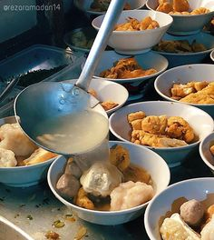 From breakfast to late-night grub, traditional meals to innovative creation, discover the best street food stalls in Bandung, Indonesia. Best Street Food, Food Stall, Stalls, Grubs, Wok, The Best, Wordpress, Pasta, Urban
