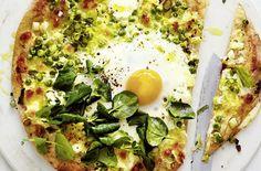 Pizza mit Lauch und Ei - Schrot und Korn - Das Kundenmagazin für den Naturkosthandel