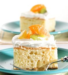 Tres Leches Cake. The most amazing cake i have ever had. so i must try to make this.