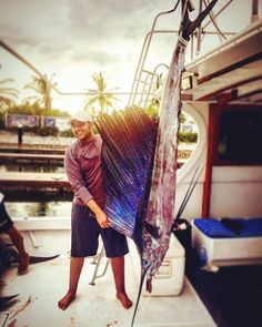 Big fish! Gran pez! #pesca #fishing #big #grande #puertovallarta #vallartafishing #pescadeportiva #sportfishing #lanchas #boat #mikesfishing https://www.instagram.com/p/BBA0xBiRZjj/