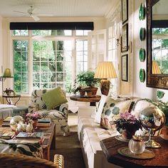 CharmCharmCharmMario Buatta . . . . . #luxuryinteriors #interiorideas #interiorismo #interiores #interiorarchitecture #interiordecorating #decor #decorate #decoracao #decoração #decorations