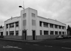 kodakodak House is one of two listed art Deco buildings in Dublin. Designed by Donnelly, Moore and Keatinge, completed in 1930, with later modifications by William Sedgewick Keatinge (1949-51). A complete refurbishment was undertaken to convert the building into modern office space by Paul Keogh Architects.