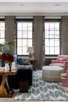 Notting Hill sitting room by . Plain Curtains, Curtains Living, Bedroom Curtains, Custom Curtains, Linen Curtains, Drapery, Living Room Furniture, Living Room Decor, Living Spaces