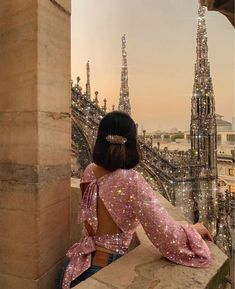 Dreamy dress in a dreamy place✨ Boujee Aesthetic, Bad Girl Aesthetic, Aesthetic Images, Glitter Photography, Photography Poses, Cute Couple Poses, Fantasy Gowns, Glitter Art, Sexy Makeup