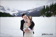 i love the idea of a winter wedding...