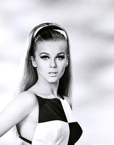 A young Ann Margret (circa 1960s)