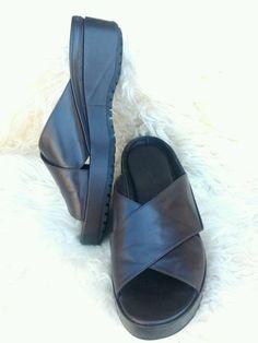 7e9b0ec9605 Woman s Cole Haan Brown Sandal Slide Platform Size 8 M Shoes Brown Sandals