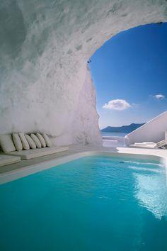 Cave Pool in Oia, Santorini, Greece, Greek Islands, Best Romantic Vacation Destination #bucketlist #travel