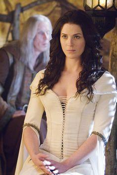 Legend of the Seeker - Season 1 Episode 5 Still Bridget Regan, Dacey Mormont, Medieval Girl, Sword Of Truth, Pokemon Couples, Julie Benz, Jane The Virgin, Photography Women, Fantasy
