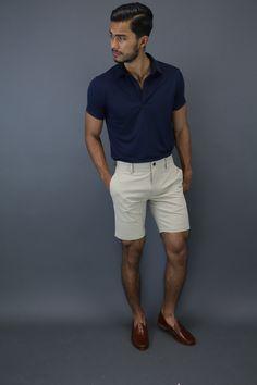 SB — teachingmensfashion: Summer essential The. Mens Fashion Summer Outfits, Stylish Mens Outfits, Mens Fashion Shorts, Men Shorts, Teaching Mens Fashion, Herren Outfit, Elegantes Outfit, Mens Clothing Styles, Men Casual