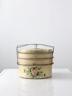 Vintage Cake Carrier / 1930s Dessert Carrier $68