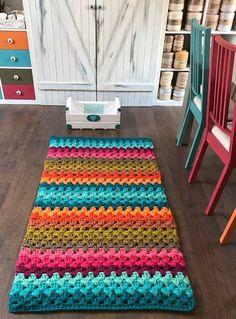 Diy Crochet Rug, Crochet Mask, Crochet Rug Patterns, Crochet Carpet, Unique Crochet, Crochet Home, Baby Blanket Crochet, Cute Crochet, Crochet Table Runner Pattern