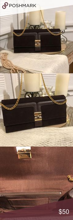 ❤️Brown velvet clutch with gold chain❤️ ❤️Brown velvet clutch with gold chain by style craft Miami! Bags Clutches & Wristlets