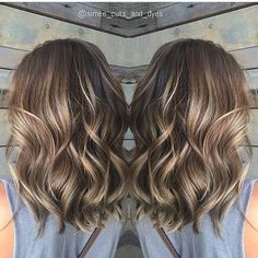 35 Balayage Hair Color Ideas for Brunettes in The French hair coloring technique: Balayage. These 35 balayage hair color ideas for brunettes in 2019 allow to achieve a more natural and modern eff. Brown Balayage, Hair Color Balayage, Balayage Hair Brunette Medium, Brunette Color, Fall Balayage, Baylage Short Hair, Balayage Highlights Brunette, Haircolor, Hair Bayalage