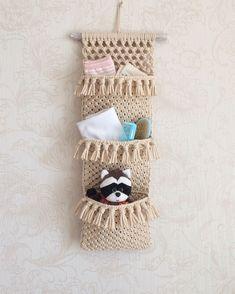 Macrame Bag, Macrame Knots, Macrame Bracelets, Macrame Wall Hanging Patterns, Macrame Patterns, Crochet Cushion Cover, Macrame Design, Macrame Projects, Diy And Crafts