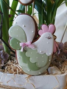 Fancy Cookies, Cute Cookies, Cupcake Cookies, Sugar Cookie Cakes, Iced Sugar Cookies, Easter Cupcakes, Easter Cookies, Bird Cakes, Galletas Cookies