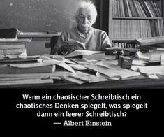 Einstein's Logik zu einem chaotischen Schreibtisch