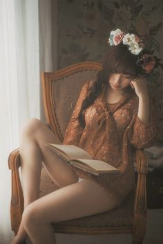 """girls-snap: """" 2014071206 by JiangNan Dream on Flickr. """" #Beautiful Bookworms"""