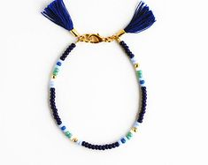Multi Color Perlen Armband Freundschaft Quaste von feltlikepaper