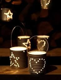 Recycled Cans instead of Chinese paper lanterns! Engrave your initials, shapes, are create a message. Christmas Makes, Christmas Diy, Recycled Crafts, Diy Crafts, Recycled Christmas Decorations, Recycle Cans, Reuse, Deco Table, Paper Lanterns