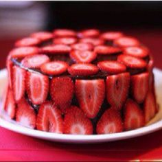 Strawberries and Jello Cake. Want to do this with tonic water.