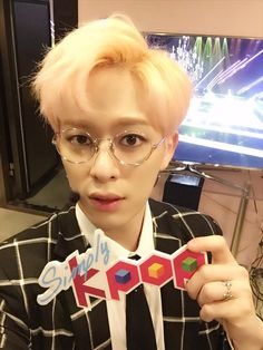 Simplykpop twitter update 3/4/2015 -------Donghyun looks flawless with AND without his glasses~ You can meet this stunning guy at Simply K-pop in less than 2 hours :)