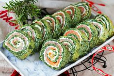 Salmon Roulade with Spinach & Feta Healthy Dinner Recipes, Snack Recipes, Snacks, Salmon Roulade, Cookie Bakery, Salad Rolls, Spinach And Feta, Easter Recipes, Appetizers For Party