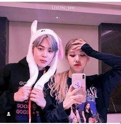 jimin and rose Bts Vmin, Bts Jungkook, Taehyung, Bts Girl, Bts Boys, Kpop Couples, Cute Couples, South Korean Girls, Korean Girl Groups