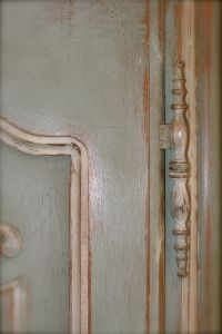 Annie Sloan Chalk paint on oak, Duck Blue, Old White and clear wax followed by the dark wax. from Design Disorder blog.