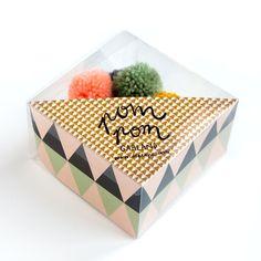 Pom Pom Garland Packaging by Depeapa E Design, Print Design, Graphic Design, Brand Packaging, Packaging Design, Fruit Packaging, Bussiness Card, Pom Pom Garland, Pretty Packaging