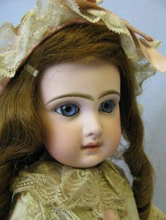 "18"" Early Closed Mouth Blue Eyed Tete Jumeau Very Pretty & Perky Original Body"
