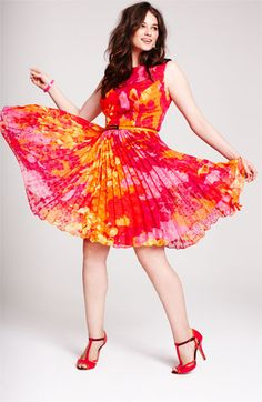 pink and tangerine floral prints and pleats ~~ so pretty ~~ Rock pleats and bright prints! Adrianna Papell Print Fit & Flare Dress (Plus) Curvy Girl Fashion, Plus Size Fashion, Pretty Outfits, Beautiful Outfits, Gorgeous Dress, Plus Size Dresses, Plus Size Outfits, Queen, Nordstrom Dresses