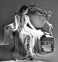 vintage-retro:  Christian Dior, 1948