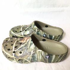 ef3d9951cecade Camo pattern crocs size 10-11 women s flats In pristine condition. crocs  Shoes Sandals