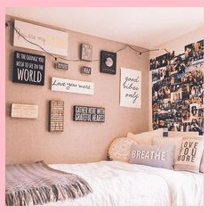 Need inspiration for your wall in your dorm room? Want to make your wall unique?… Need inspiration for your wall in your dorm room? Want to make your wall unique? Here are 7 trendy ideas to give you inspiraton for your dorm wall gallery. Dorm Room Walls, Girl Bedroom Walls, Bedroom Wall Colors, Cute Dorm Rooms, Room Design Bedroom, Room Ideas Bedroom, Bedroom Decor, Girl Bedrooms, Decorating Walls In Bedroom