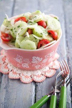 Paula Deen Aunt Peggys Cucumber, Tomato and Onion Salad - meatgodsmeatgods