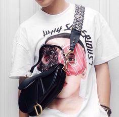 Dior saddle bag men Dior Saddle Bag, Saddle Bags, Fashion Art, Mens Fashion, Fashion Design, Louis Vuitton Shoulder Bag, Chef D Oeuvre, Bag Men, Men Bags
