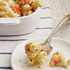 Lobster Mac & Cheese - I really wish lobster wasn't so expensive so that I could actually make this!