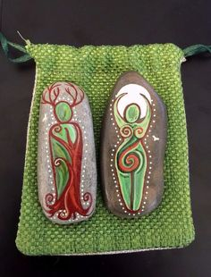 Earth Witch: #Earth #Witch ~ Spiral Green God & Goddess Altar Stones & Pouch.