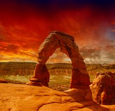 Delicate Arch, Utah  One of the most famous natural arches - Arches National Park #utah